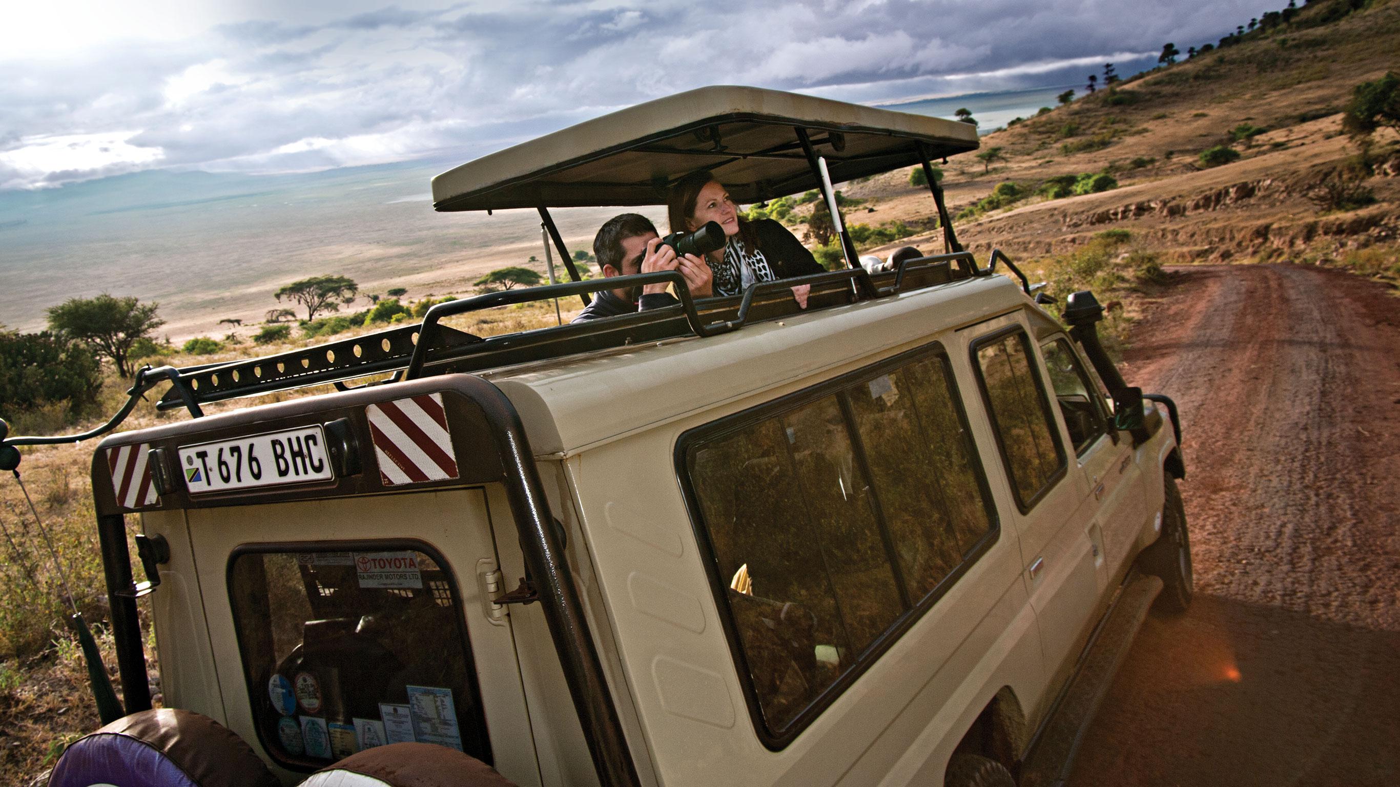 serengeti-ngorongoro-crater-safari