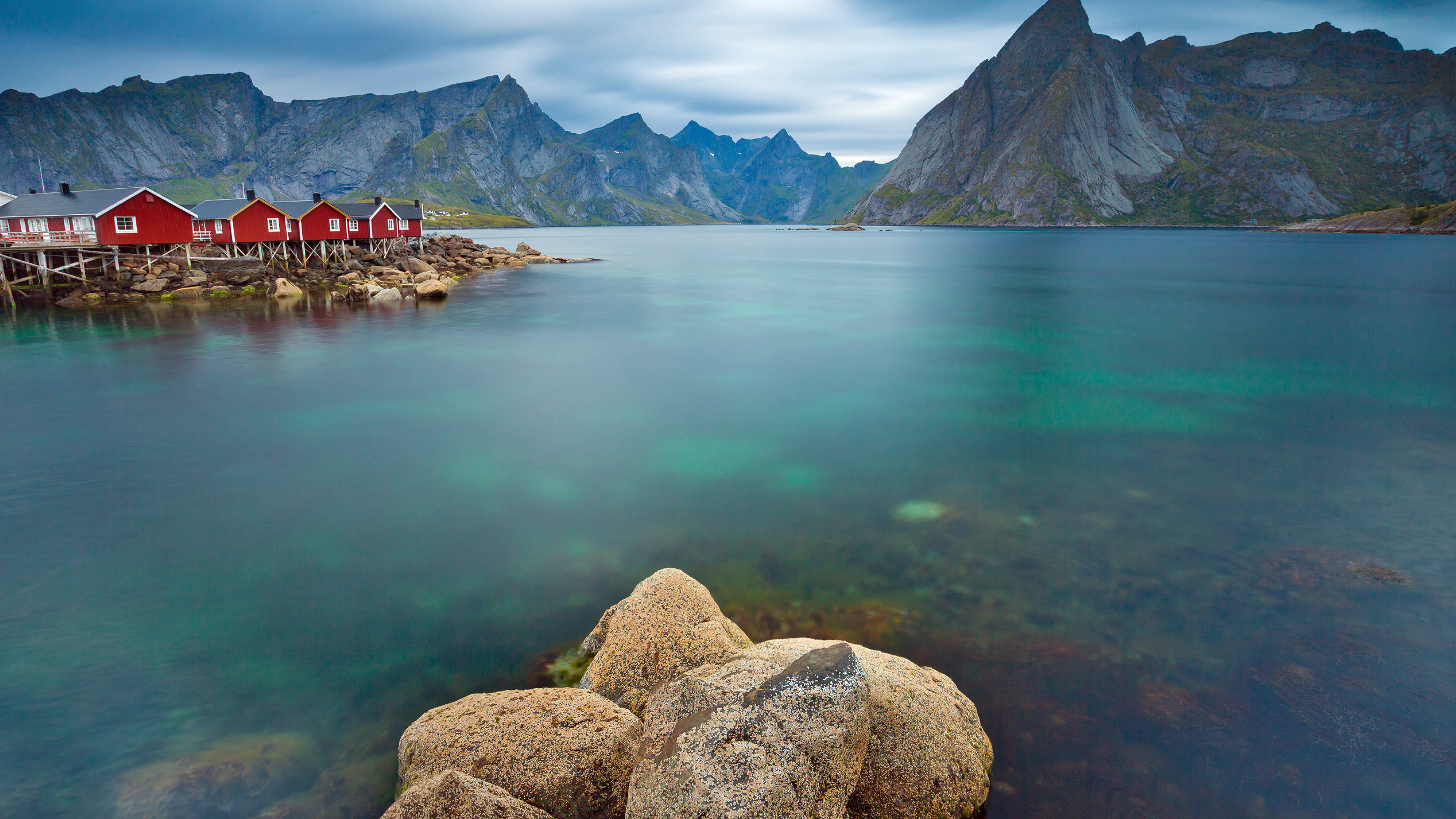 arctic-circle-fjords-by-rail