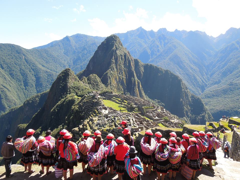 Pic of the Day: Giving Back to Locals in Peru - G Adventures