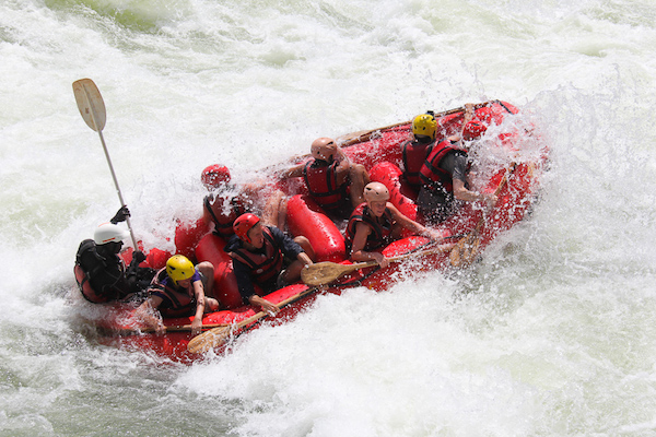 rafting on the nile rivier