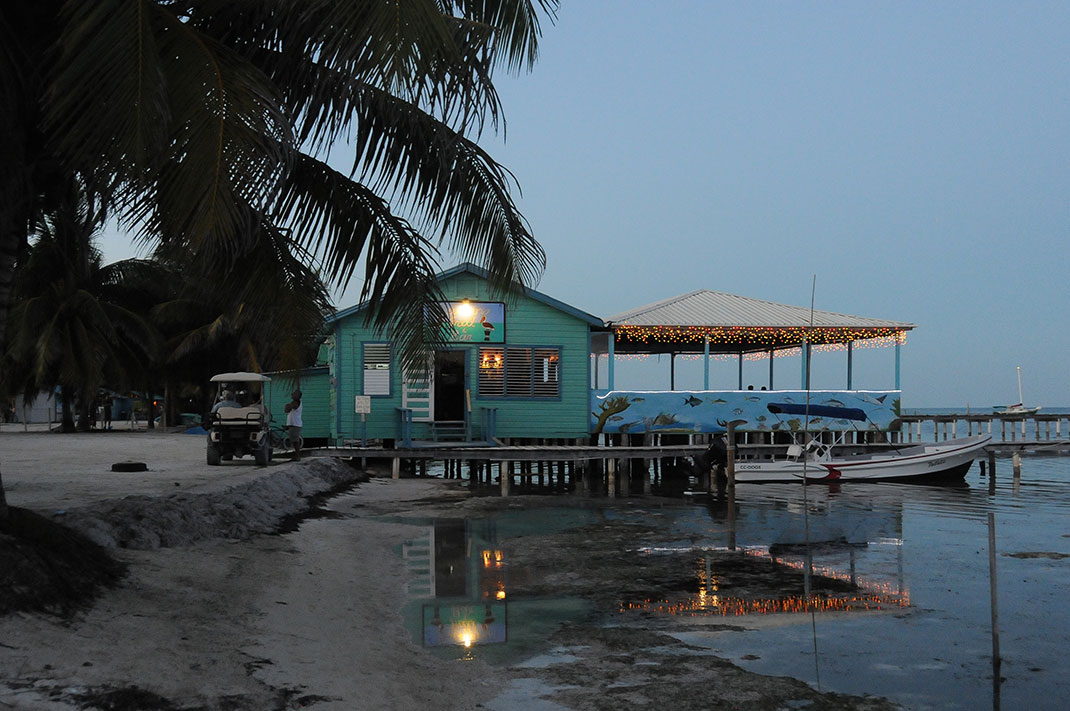 Oceanside dining is the norm on Caye Caulker.