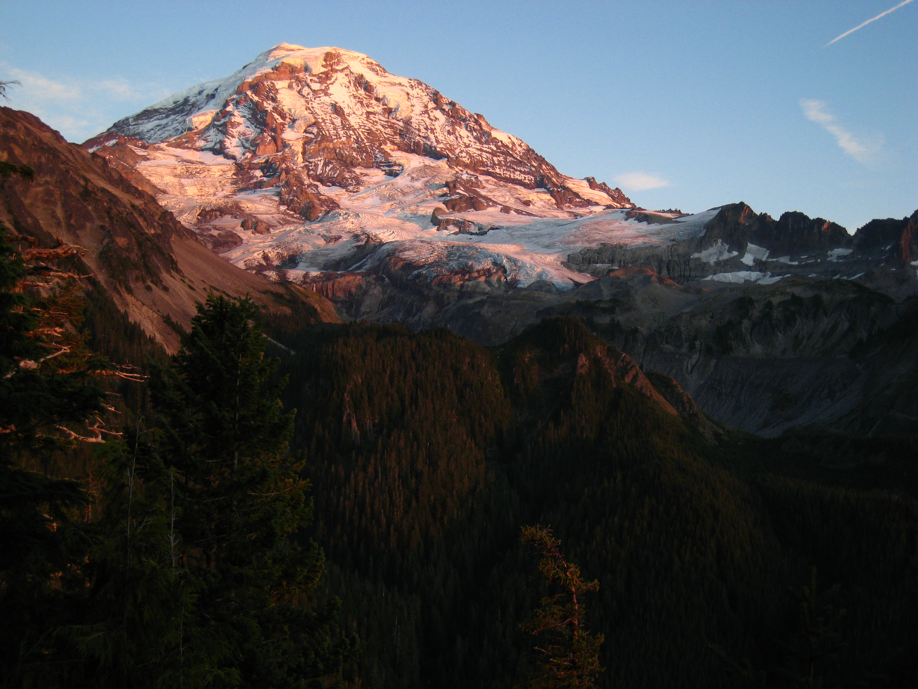 A short drive from Seattle, Mt Rainier National Park is a great day trip or multi-day trip.
