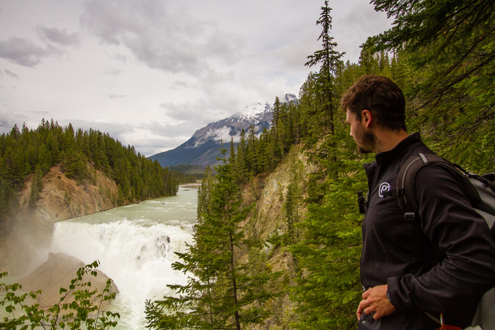 30m (98 ft) high and 150m (490 ft) wide, Wapta Falls is the largest waterfall of the powerful Kicking Horse River.