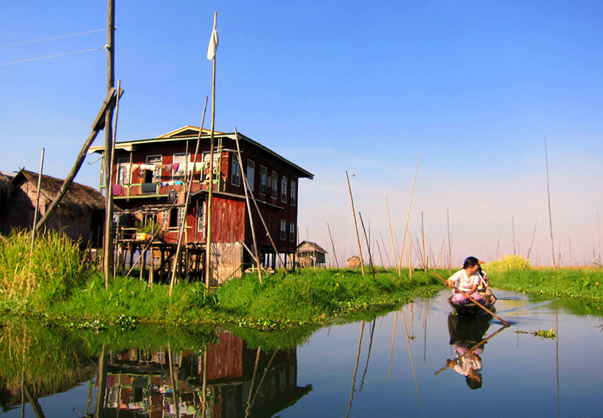 the markets in Inle Lake.