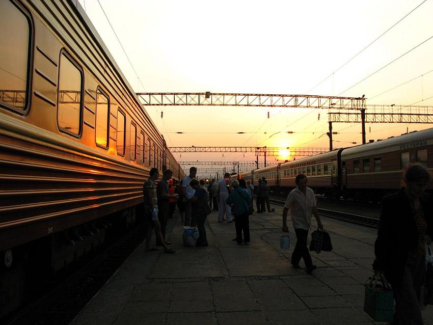 Boarding the train for Yekaterinburg.