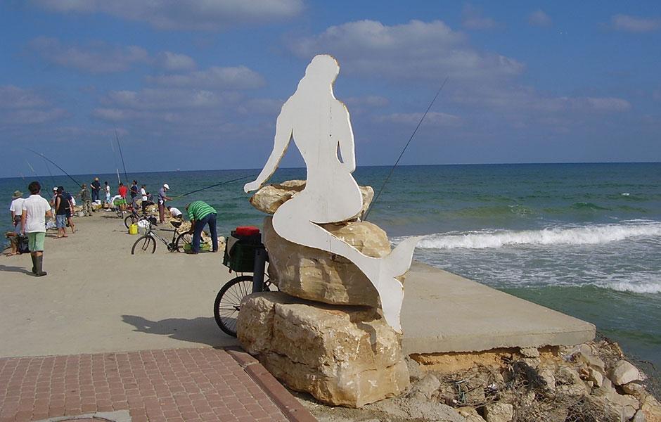 Mermaid statue at Kiryat Yam beach. Photo courtesy Avishai Teicher.