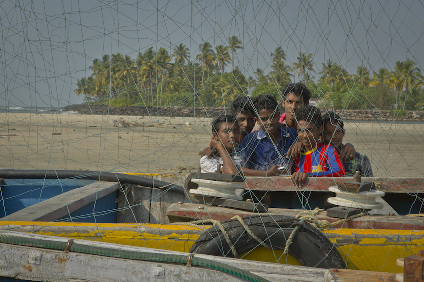 Children playing on Kochi beach.