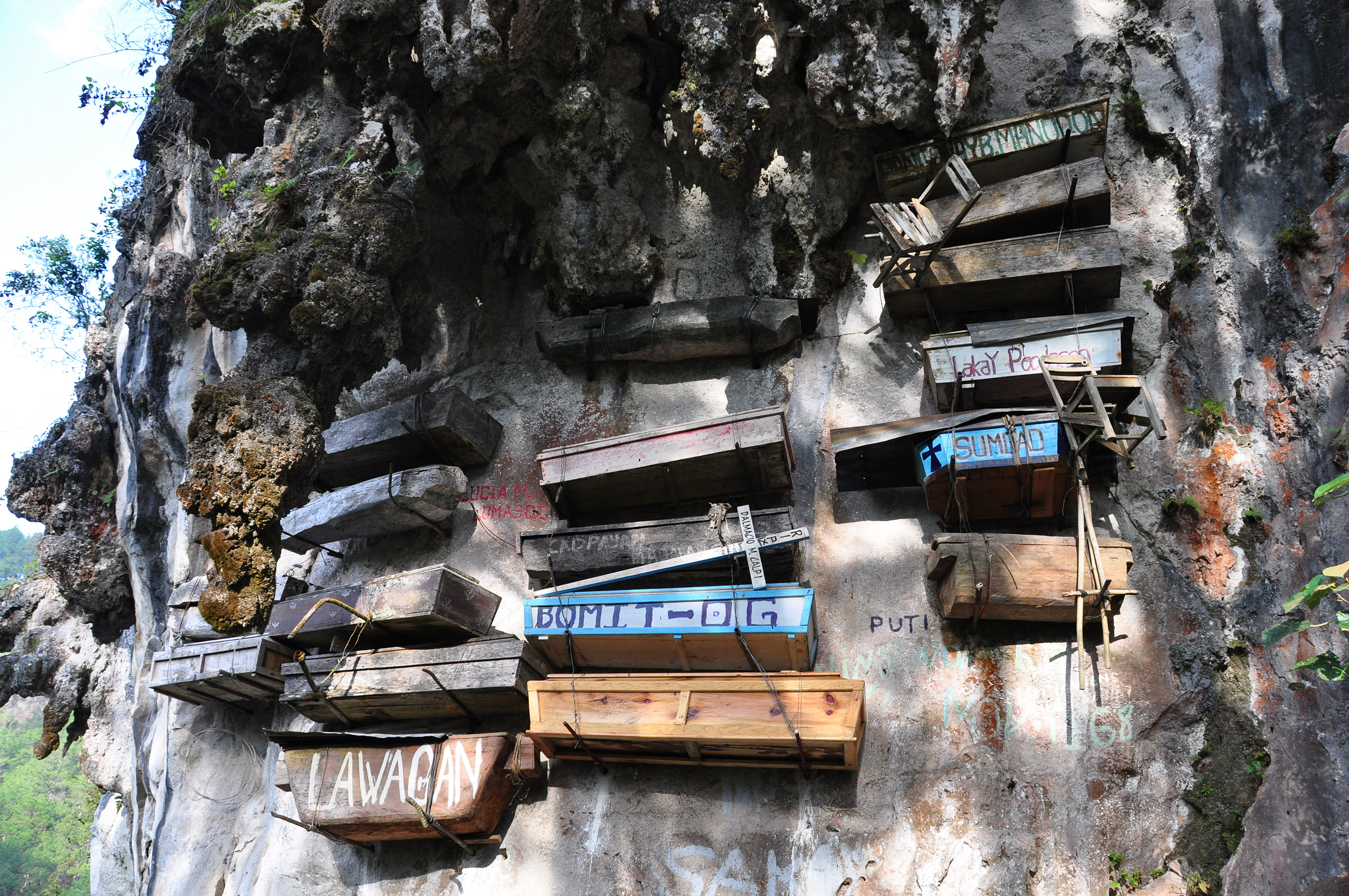 The coffins of Sagada are hung on local cliff faces. Photo courtesy Dan & Emily.