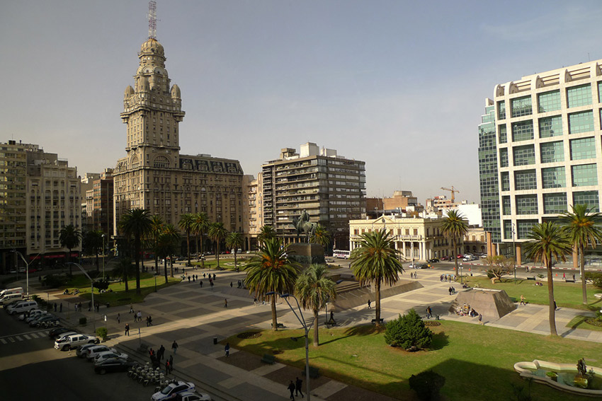Plaza Independencia in Montevideo. Photo courtesy John W.