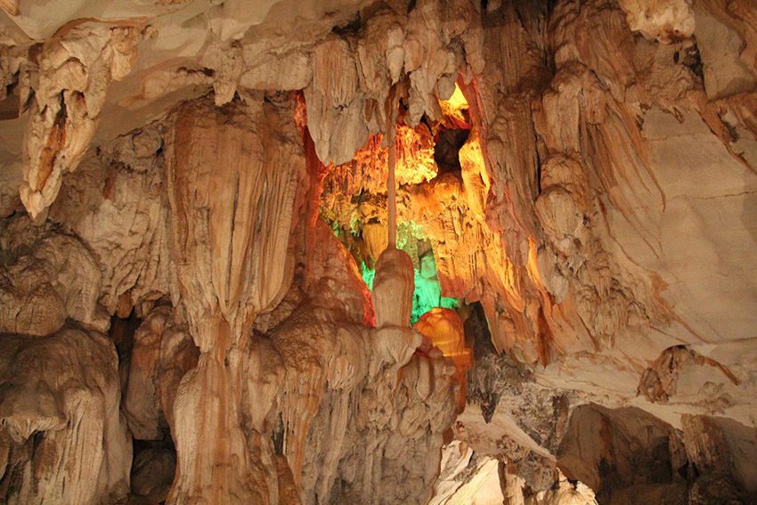 The Tham Chang cave in Vang Vieng. Photo courtesy Jesse.