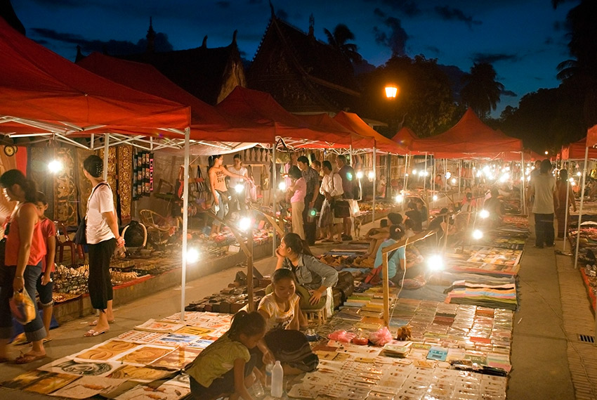 Find the perfect trinket at the Luang Prabang Night Market. Photo courtesy WHL.