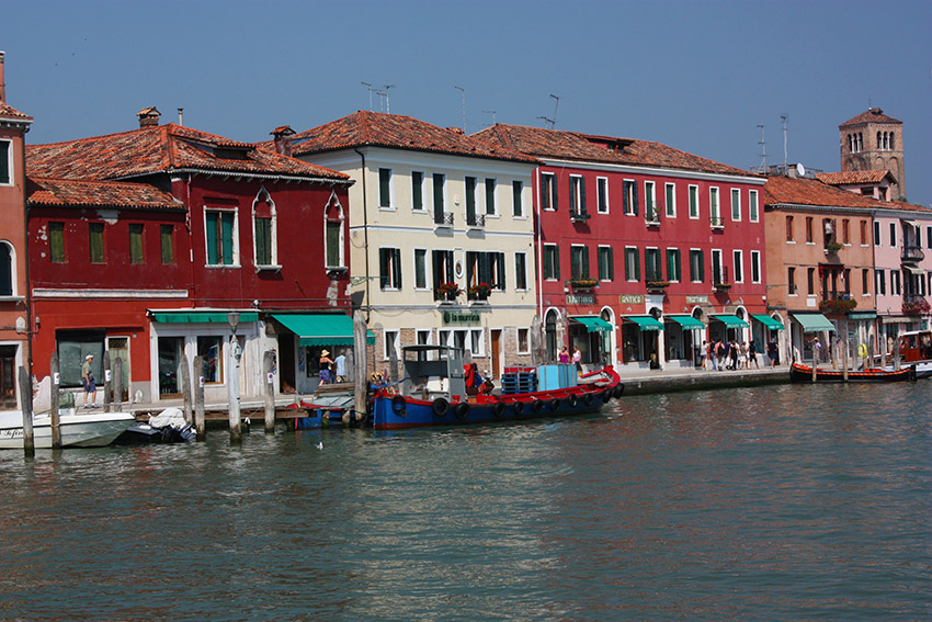 Murano consists of seven small islands linked by bridges. Photo courtesy Rebeca A.